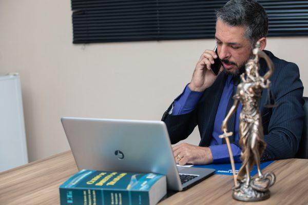 Wyposażenie kancelarii prawnej